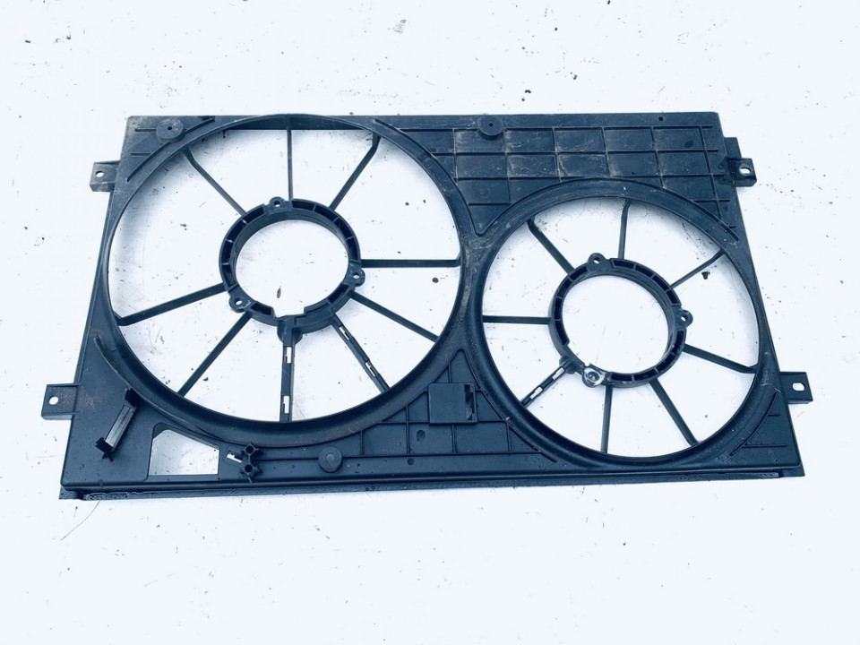 Difuzoriaus remas (ventiliatoriaus remas) Volkswagen Golf 2004    1.6 1K0121207J