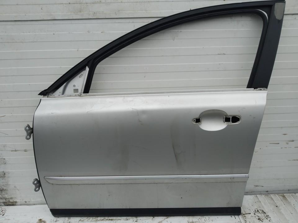 Doors - front left side Volvo V50 2004    2.0 pilka