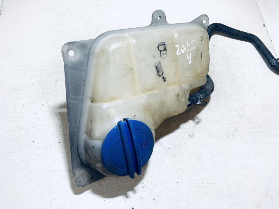 Expansion Tank coolant (RADIATOR EXPANSION TANK BOTTLE ) Volkswagen Passat 2001    2.0 8D0121403L