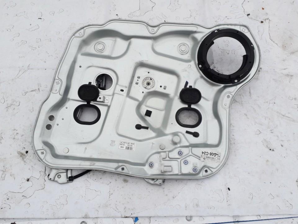 Duru lango pakelejas P.K. Hyundai Santa Fe 2008    0.0 824802B070J4S4