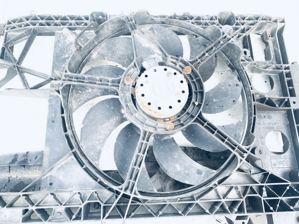 Difuzorius (radiatoriaus ventiliatorius) Opel Movano 2000    2.8 8200058463