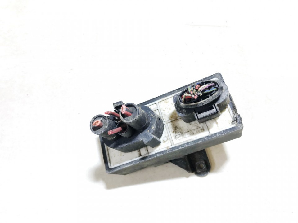 Blower Fan Regulator (Fan Control Switch Relay Module)  Volkswagen Golf 2001    1.9 1j0919506k