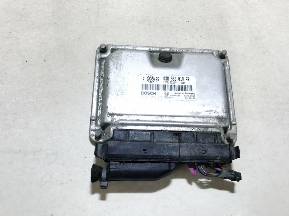 ECU Engine Computer (Engine Control Unit) Volkswagen Golf 2001    1.9 038906019