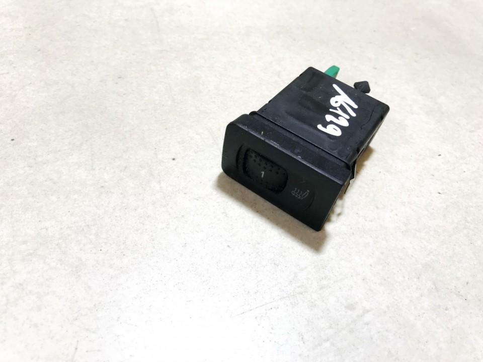 Sedyniu sildymo mygtukas Volkswagen Golf 2001    1.9 1j0963563b