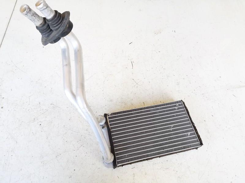 Salono peciuko radiatorius Audi A4 2005    2.0 8e2820031a