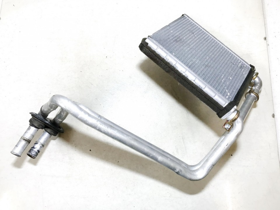 Salono peciuko radiatorius Mitsubishi Colt 2005    1.3 used