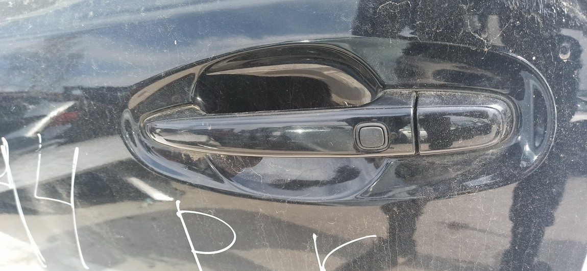 Duru isorine rankenele P.K. Subaru Outback 2011    2.0 Juoda