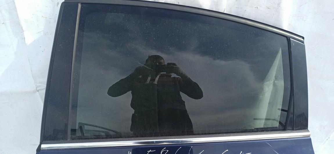Duru stiklas G.K. Volkswagen Passat 2001    2.5 Melyna