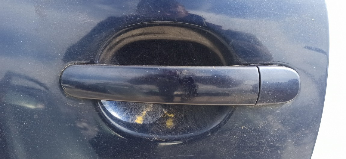 Duru isorine rankenele G.K. Volkswagen Passat 2001    2.5 Melyna
