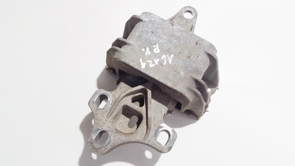 Variklio pagalves bei Greiciu dezes pagalves Volkswagen Golf 2001    1.9 1j0199555bb