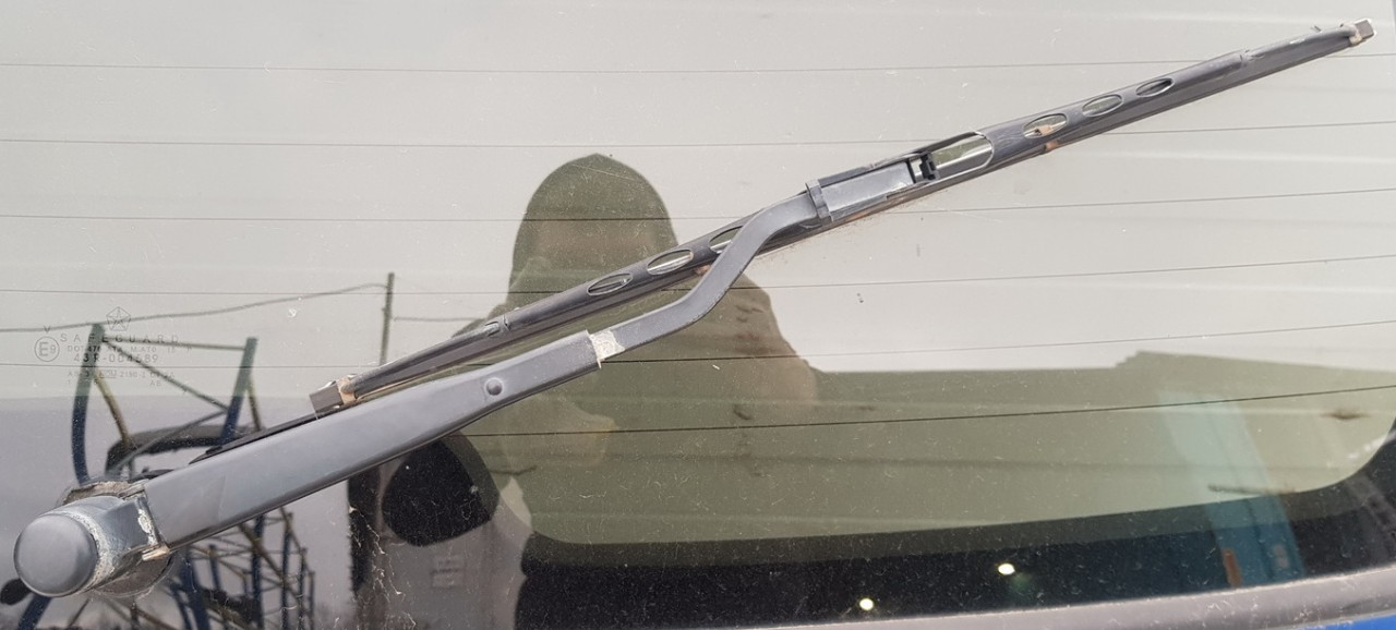 Galinio valytuvo svirtele (galinis valytuvo kotelis) Chrysler PT Cruiser 2003    2.2 used
