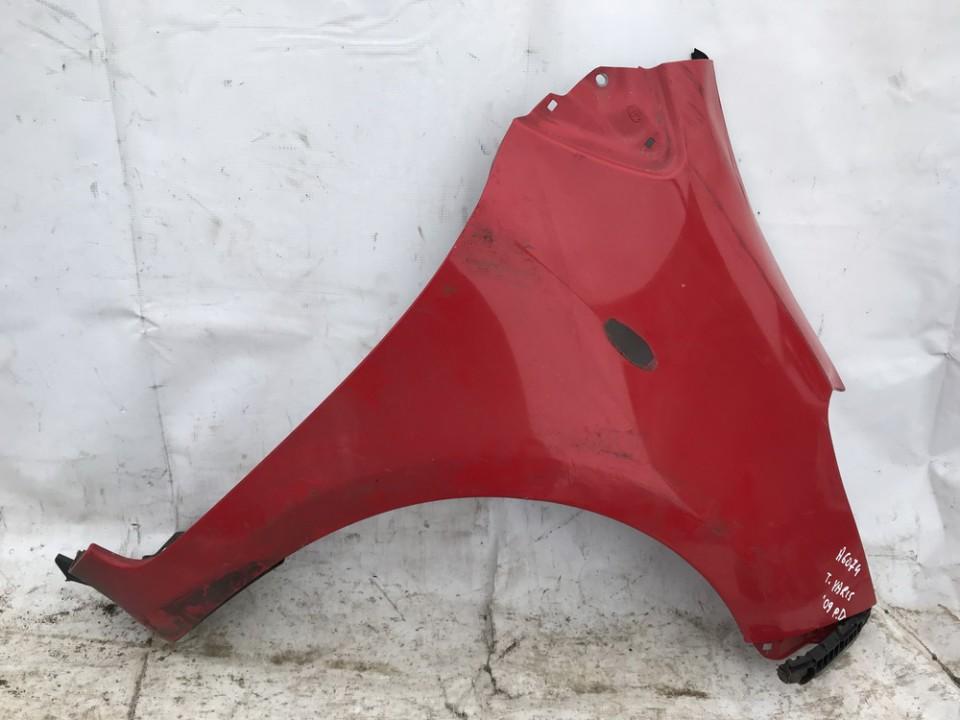 Sparnas P.D. Toyota Yaris 2009    1.3 raudona