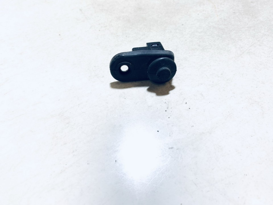 Duru kontaktai - kaire Mitsubishi Colt 2005    1.3 used