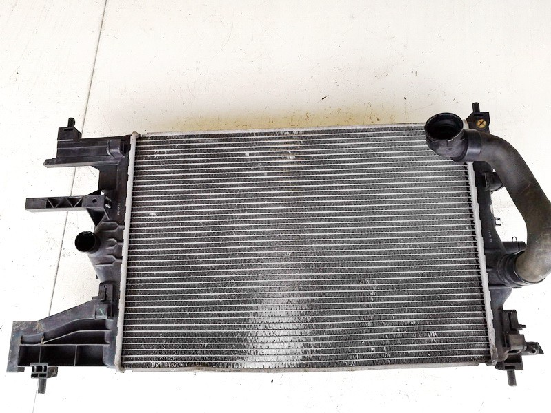 Radiator-Water Cooler Opel Astra 2010    1.4 13281773