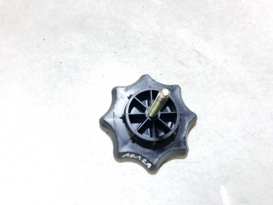 Atsarginio rato laikiklis (zapaskes laikiklis) Volkswagen Golf 2001    1.9 1j0803899