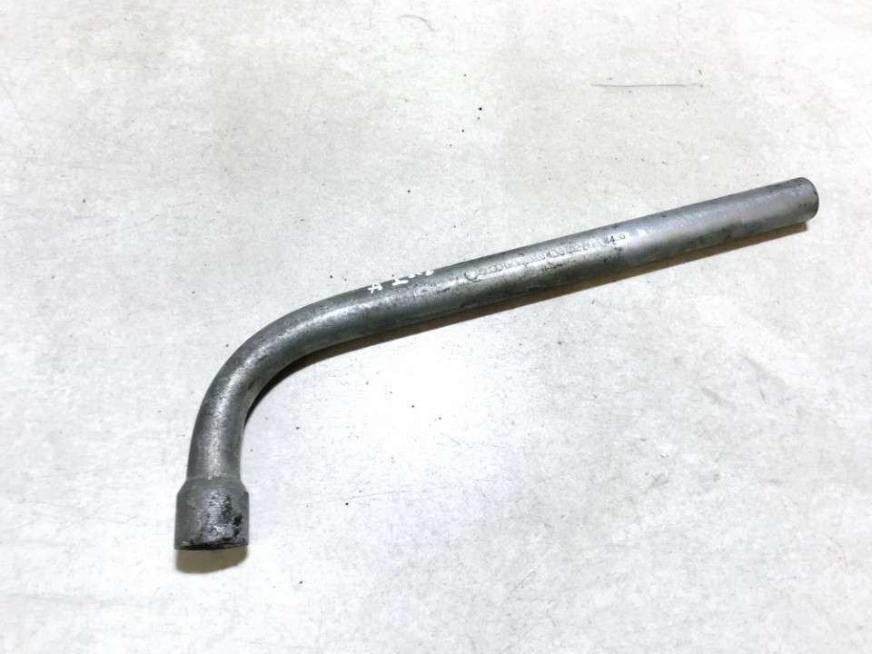 Wheel Brace (Extending Wheel Wrench) Volkswagen Golf 2001    1.9 4d0012219a