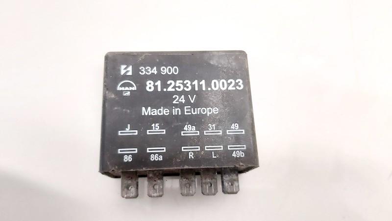 Relay module Truck - MAN  LE8.180, I 2000.01 -->