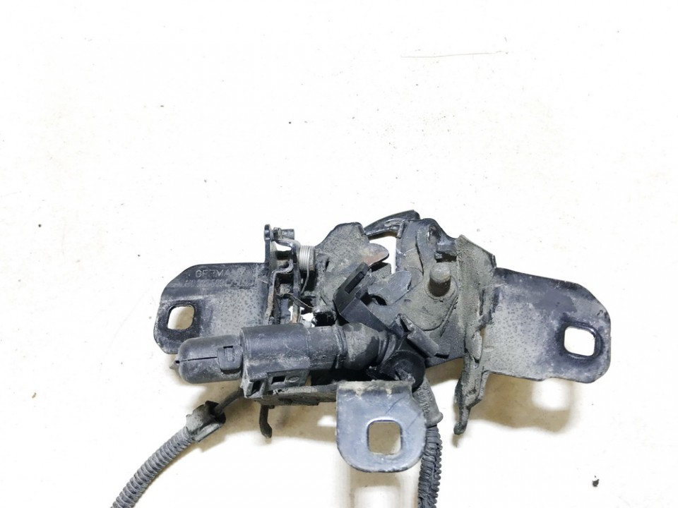 Hood Lock - Hood Latch Volkswagen Golf 2001    1.9 used