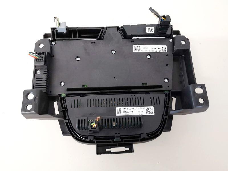 Peciuko valdymas ir automagnetola Opel Astra 2010    1.4 13337218
