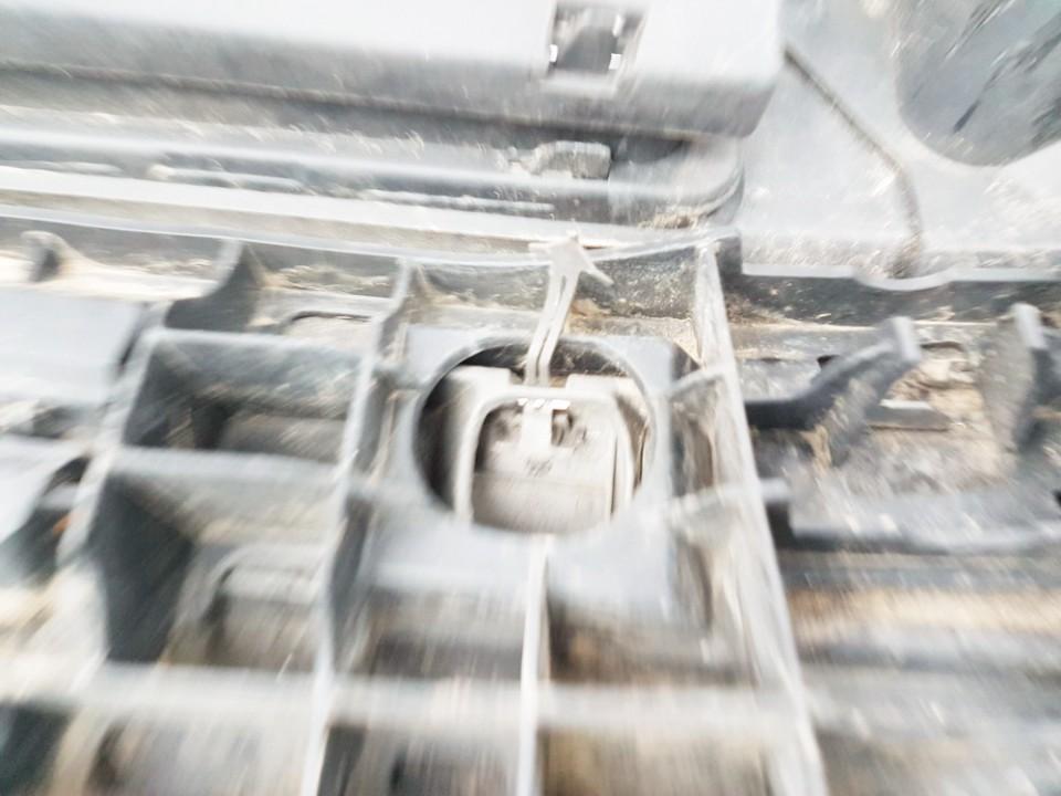 Traukimo kilpos dangtelis (kablio uzdengimas) P. Renault Megane 2004    1.8 USED