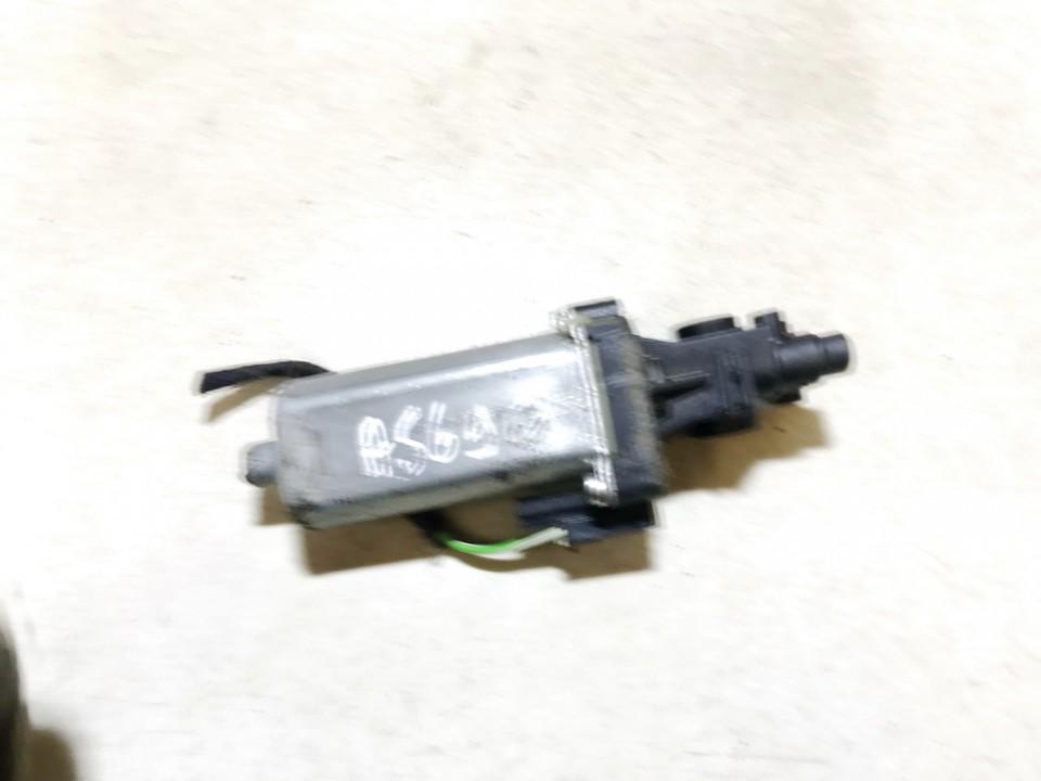 Sedynes varikliukas P.K. SAAB 9-5 2005    2.2 0390201901