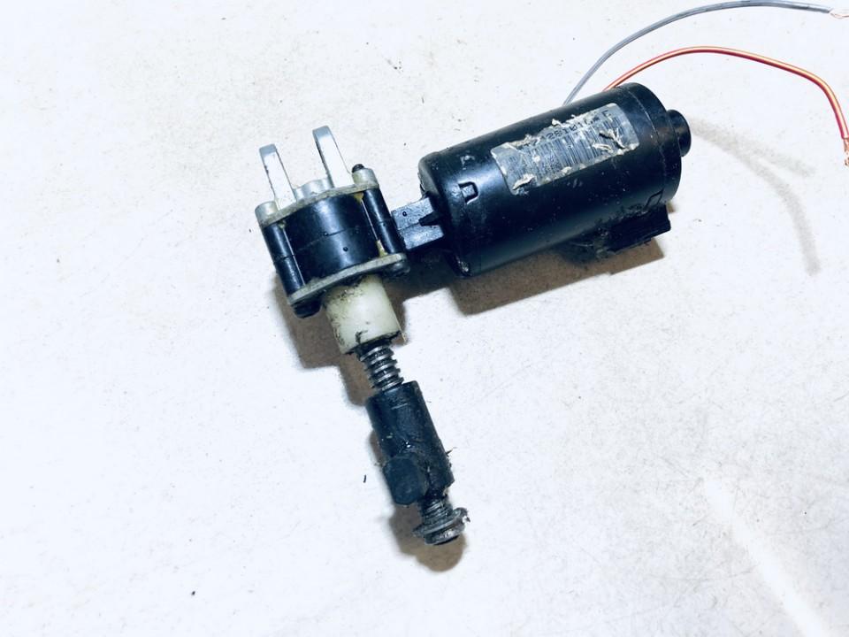 Sedynes varikliukas P.K. Nissan Primera 2002    2.2 dew020314
