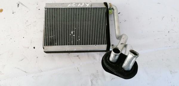 Salono peciuko radiatorius Toyota Yaris 2005    1.0 USED