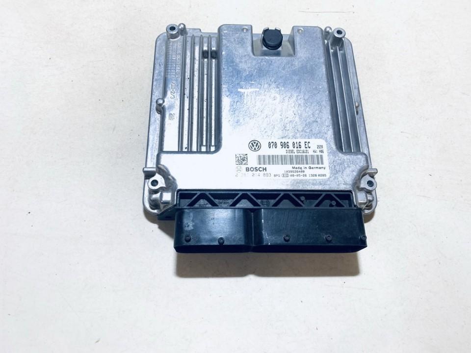 Variklio kompiuteris Volkswagen Transporter 2005    2.5 070906016ec