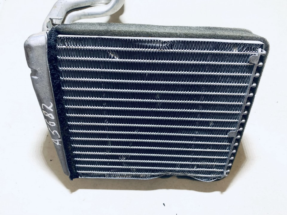 Salono peciuko radiatorius Volkswagen Golf 2006    1.6 1k0819031a