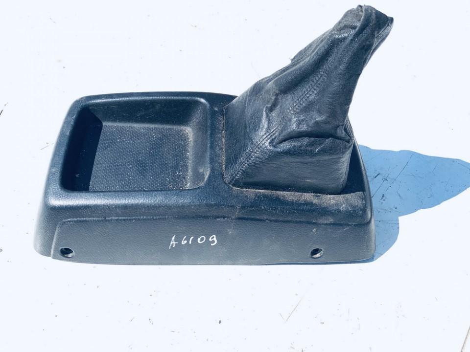 Pavaru svirties apdaila (apvalkalas) Toyota Avensis Verso 2001    2.0 used