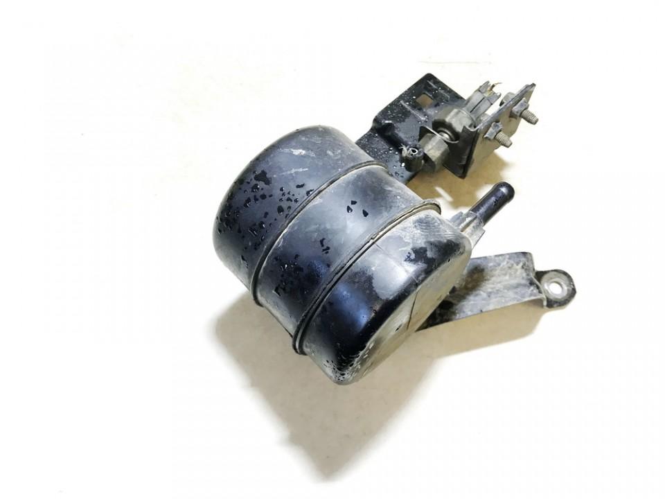 Vacuum tank (Reservoir) Nissan Primera 2000    2.0 used