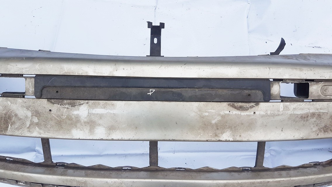 Bamperio moldingas P. Ford Galaxy 2000    1.9 USED