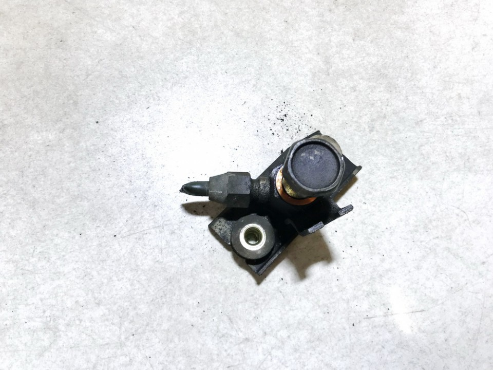 Brake Power Regulator Nissan Primera 2000    2.0 used