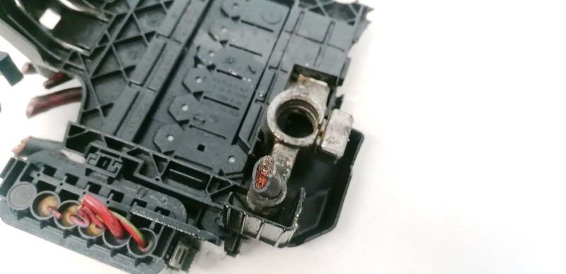 battery terminal Audi TT 2003    1.8 6R0937550A