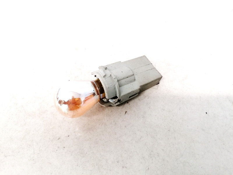 Front Indicator Bulb Holder BMW 5-Series 2003    0.0 2489804