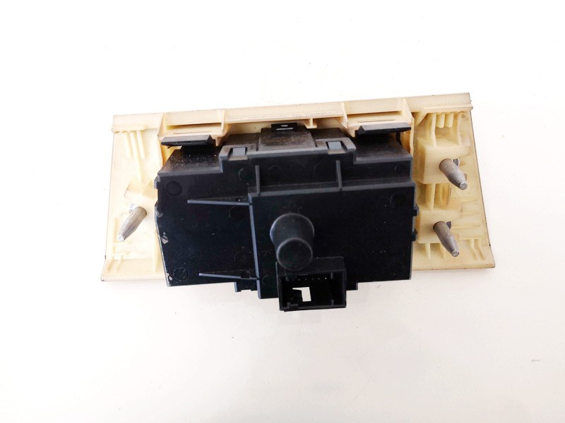 Headlight adjuster switch (Foglight Fog Light Control Switches) BMW 3-Series 2006    0.0 6932794