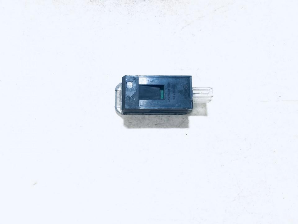 4e0947415 used Salono lemputė Audi Q7 2007 3.0L 3EUR EIS01076636