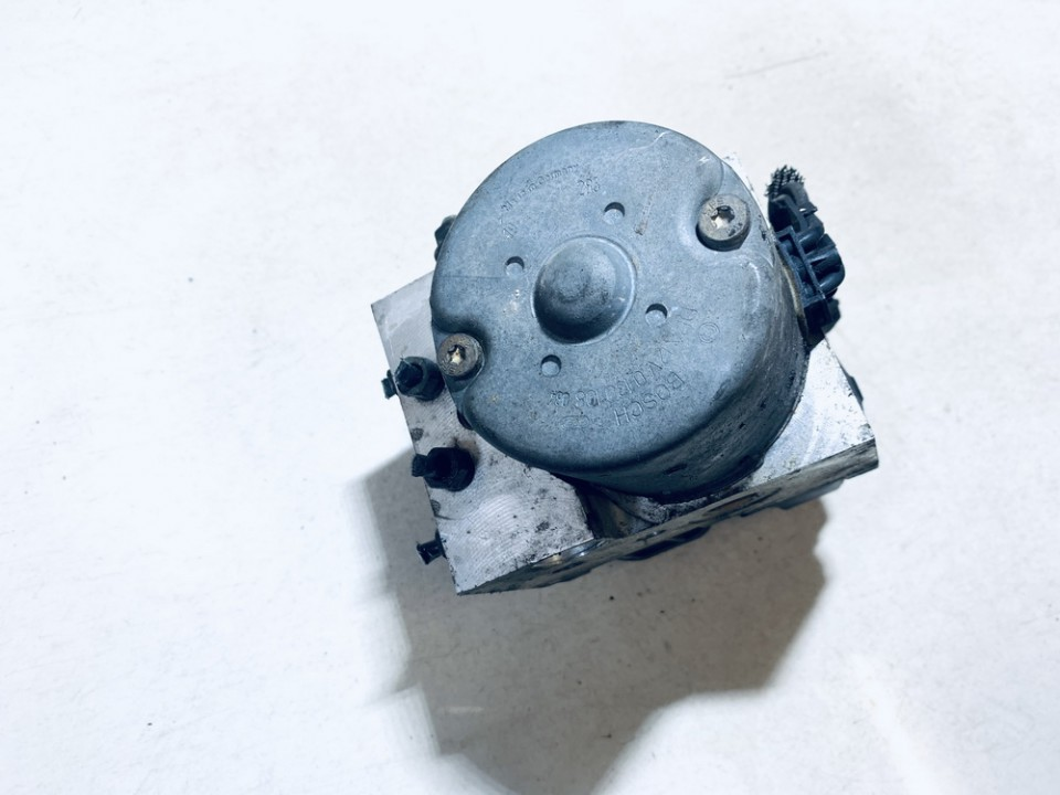 ABS Unit (ABS Brake Pump) Toyota Corolla 2002    1.4 4451002050