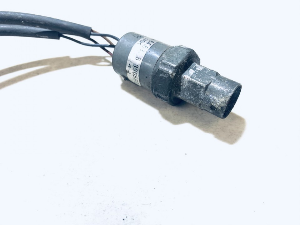 Pressure Switch, air conditioning AC Pressure Switch Control BMW 3-Series 1998    0.0 64538390582