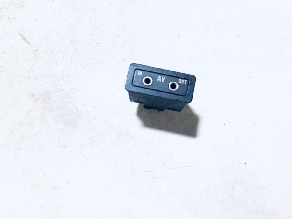 USB-AUX-Ipod jungtys BMW X5 2002    0.0 03055505