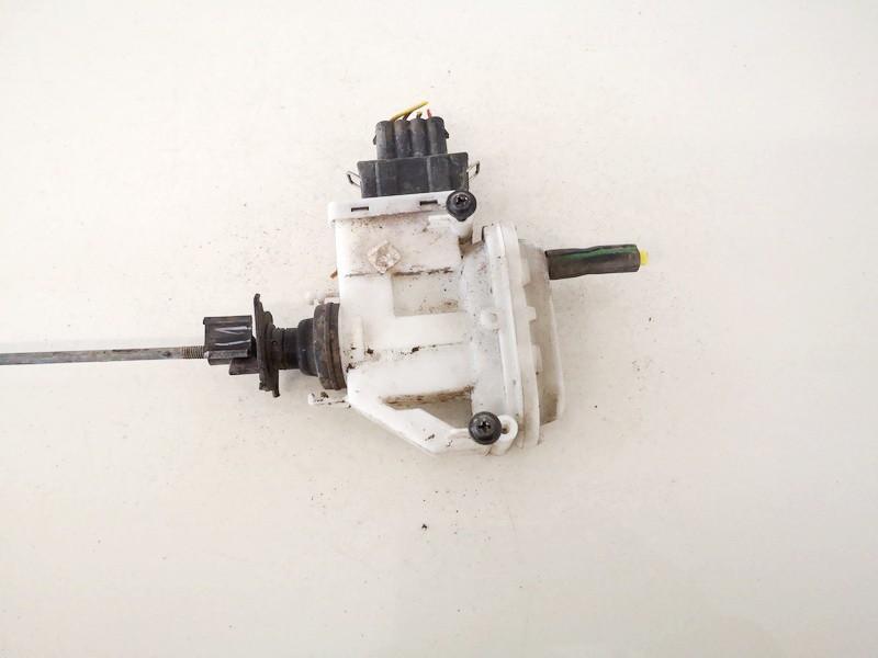 Duru uzrakto vakuumine pompele Volkswagen Passat 1994    1.9 357862153h