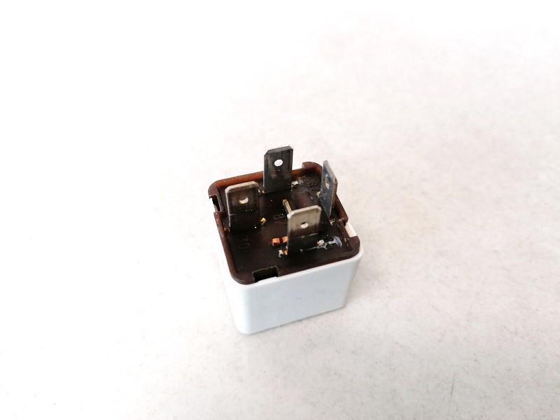 Relay module SAAB 9-3 2004    2.0 24438885