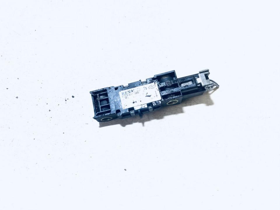 8200047305 001307, 965001 Srs Airbag crash sensor Renault Clio 2002 1.5L 14EUR EIS01079053