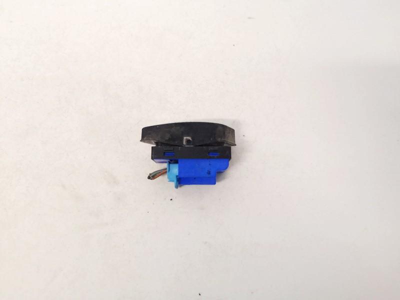 Duru uzrakto mygtukas Volkswagen Golf 2004    0.0 1k0962126