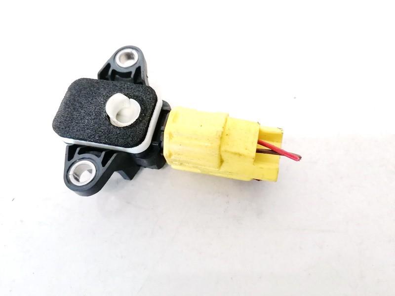 Srs Airbag crash sensor Audi A4 2006    0.0 8p0955557