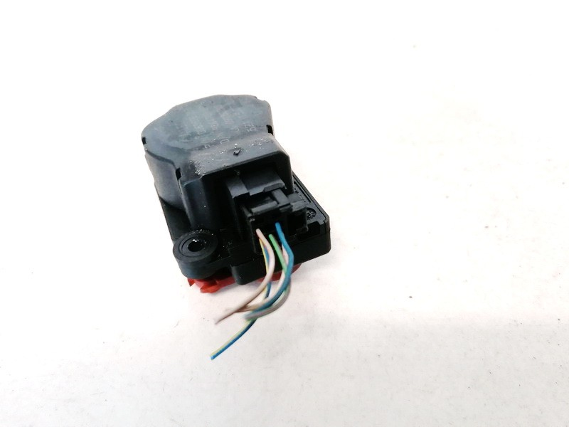 Heater Vent Flap Control Actuator Motor Opel Vectra 2002    2.2 09180203