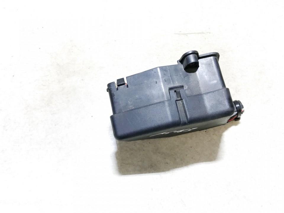 Fuse box  Audi A3 1997    1.9 8d1941824