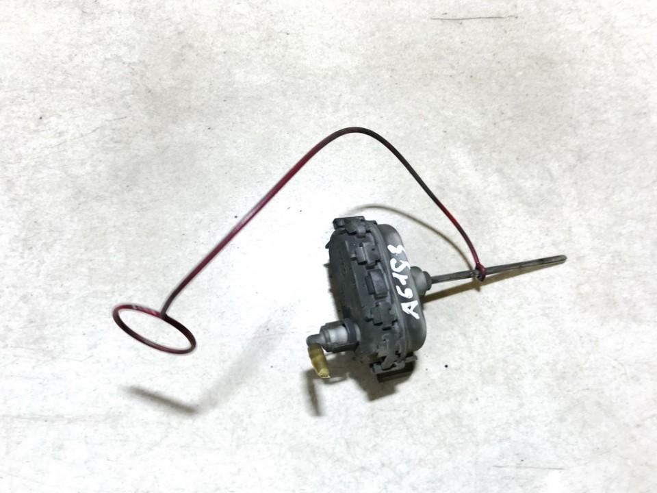 Duru uzrakto vakuumine pompele Audi A3 1997    1.9 8d0862153