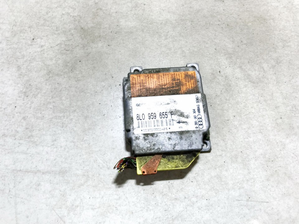 Airbag crash sensors module Audi A3 1997    1.9 8l0959655f