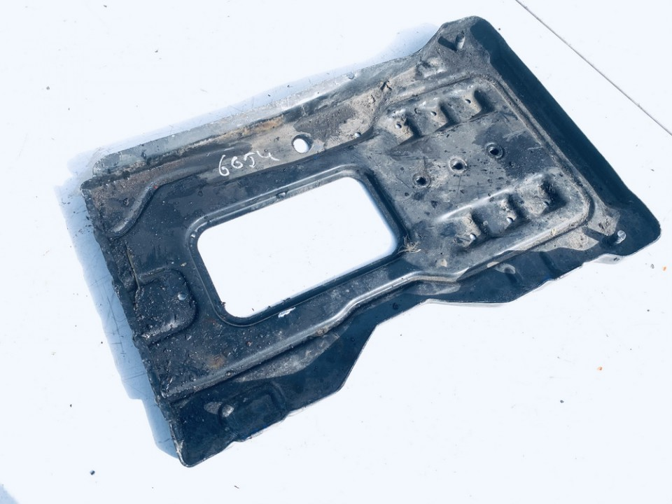 Battery Boxes - Trays Mercedes-Benz C-CLASS 2007    1.8 used